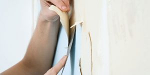 Best Ways to Remove Paint From Wood Furniture